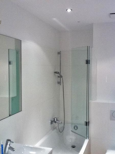 duschkabinen duschabtrennung ma anfertigung glaserei. Black Bedroom Furniture Sets. Home Design Ideas